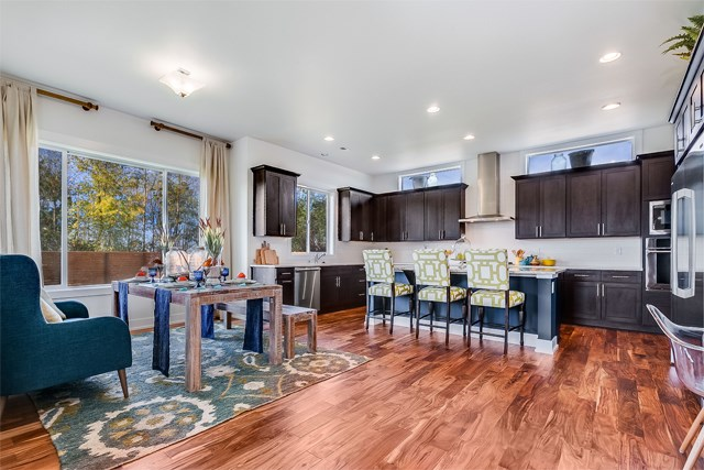 Tehaleh_Azure NW Homes_Silver Star_Kitchen.jpg
