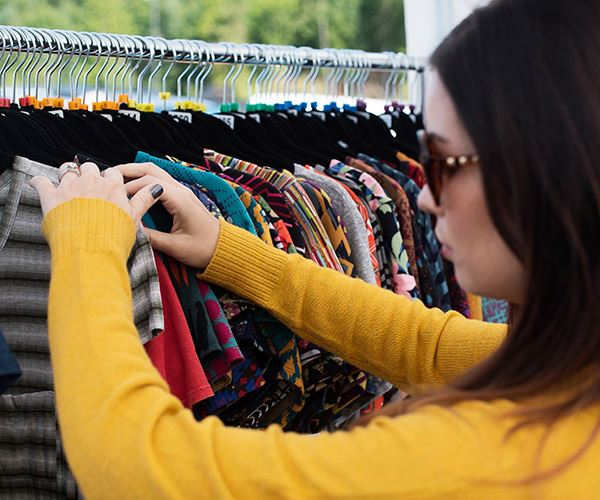 tehaleh-woman-shopping-for-clothes-square.jpg