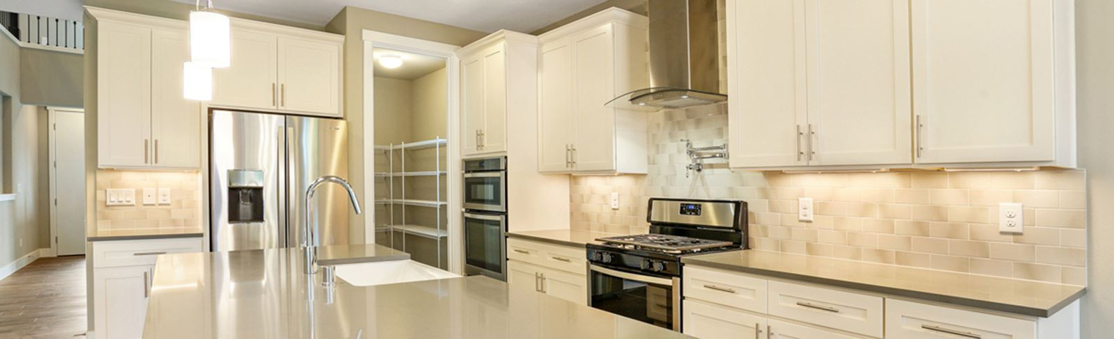 tehaleh-brookstone-homes-glacier-bay-kitchen.jpg (1)