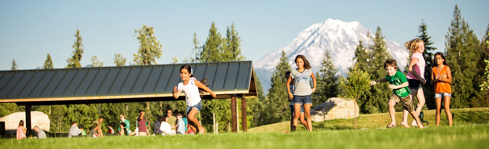 tehaleh-children-playing-in-the-field-with-Mount-Rainier-in-the-background.jpg (1)